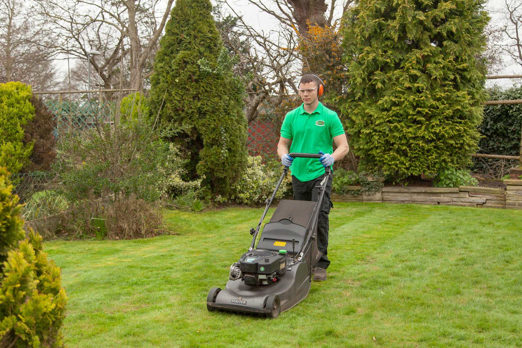 Mowing Grass Cutting Snow White Cleaners Professional